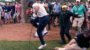 masters 2019: tiger woods accidentally tackled by course marshal