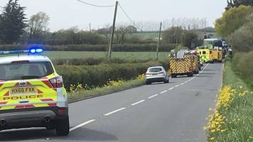 one dead and 22 hurt in isle of wight bus crash