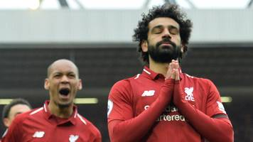 Liverpool 2-0 Chelsea: Mohamed Salah scores a stunning goal as Reds reclaim lead