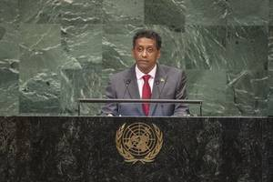 Seychelles president's underwater speech: Protect our oceans