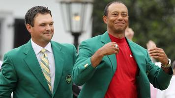 masters 2019: tiger woods presented with fifth green jacket at augusta