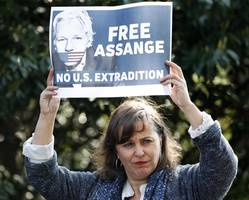 letters support claim julian assange would not face death penalty