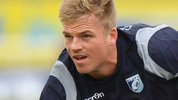 gareth anscombe: ospreys signing wales fly-half a 'statement' - nicky robinson