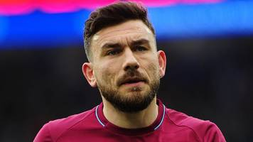 robert snodgrass: west ham midfielder given one-match ban