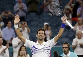 djokovic labors into monte carlo 3rd round with scrappy win