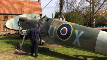 norfolk man restores spitfire in front garden over seven years
