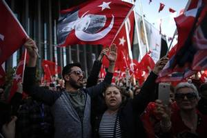 opposition expects istanbul mandate despite akp pressure