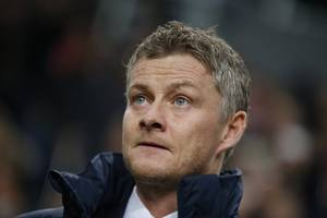 solskjaer facing early crossroads as united's limitations laid bare