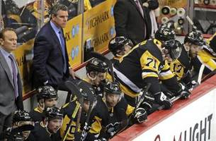 Penguins and Lightning exits show playoff hockey differences