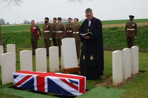unidentified soldiers buried 100 years after their deaths in the first world war