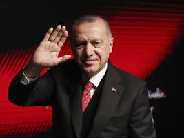 erdogan lashes out at financial times over report on economy