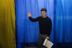ukraine elections: actor and comedian poised to win crushing victory
