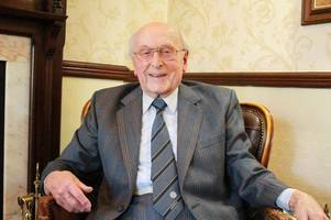 tributes pour in for ex-doonhamer ivor broadis who died at the age of 96