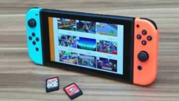 Report: Smaller Nintendo Switch to Arrive Before More Powerful Version