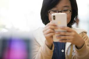 10 smartphone habits that are getting in the way of your success