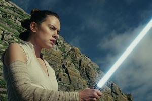 jj abrams teases 'there's more to the story' about rey's parents in 'star wars: the rise of skywalker'