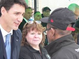 hamiltonians voice their opinions to prime minister justin trudeau while he serves lunch on good friday