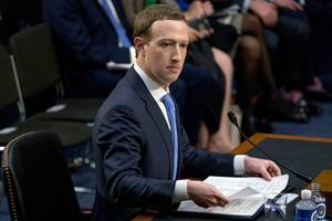 federal investigators could hold mark zuckerberg personally responsible for any facebook privacy failings, according to new report