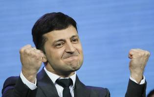Ukraine election: Can a comedian unite a divided country?