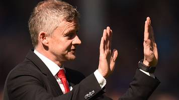 Manchester United boss Ole Gunnar Solskjaer apologises to fans after Everton thrashing