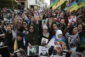 protesters take to streets of morocco after anti-poverty campaigners jailed