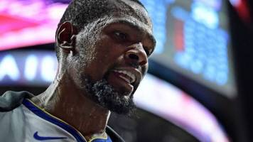 Durant, Curry shut down Clippers in Warriors' 132-105 win