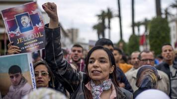 Morocco protests: Thousands demand release of activists