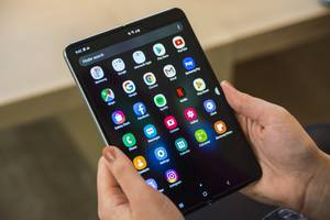 samsung says it's delaying the galaxy fold launch after broken review units 'showed us how the device needs further improvements'