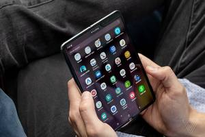 samsung delays galaxy fold indefinitely: 'we will take measures to strengthen the display'