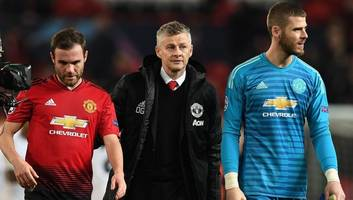 man utd spanish stars fear club favours english players as dressing room divide surfaces