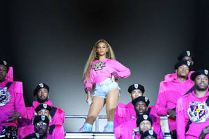 'homecoming' film review: beyoncé's powerful documentary captures her once-in-a-lifetime coachella triumph