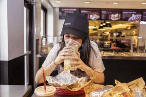 live: chipotle is about to release q1 earnings (cmg)