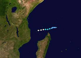 mozambique and comoros brace for cyclone kenneth