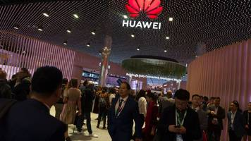 Huawei row: UK to let Chinese firm help build 5G network