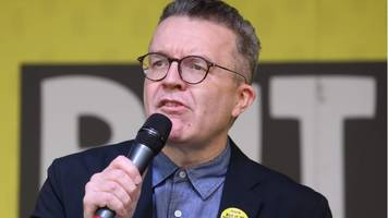 brexit: tom watson steps up call for labour referendum pledge
