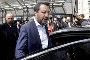 viral image of two young women kissing next to italian far-right leader matteo salvini hailed ...