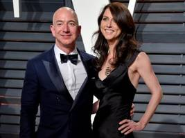 9 mind-blowing facts that show just how wealthy jeff bezos, the world's richest man, really is