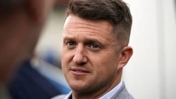 Tommy Robinson: police investigate assaults after visit