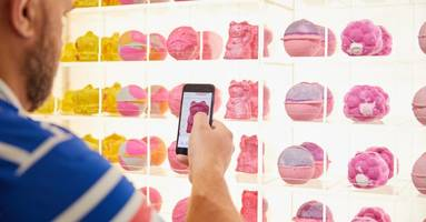 how lush is elevating the retail experience through ethical technology