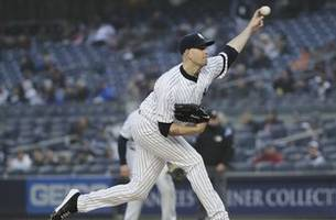 not again! yankees lhp paxton exits with sore left knee