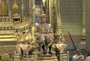 thai king is officially crowned in elaborate ceremony