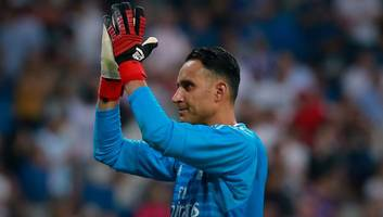 manchester united to be offered keylor navas as david de gea's future remains unclear