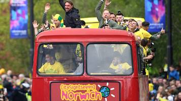norwich park the bus after promotion parade breakdown