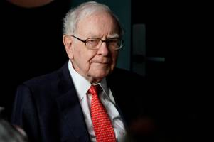 even warren buffett can't beat the stock market (brk.b)