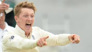 dom bess: yorkshire sign england spin bowler from somerset on one-month loan