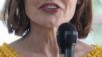 very vocal: the 'perfect pitch' predicts elections, sexual attraction