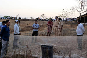 two leopard cubs rescued from 15 feet water tank in maharashtra