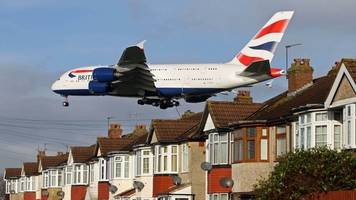 Climate change 'may curb growth in UK flying'