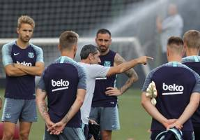 barcelona manager ernesto valverde insists he has the backing of club president despite champions league exit