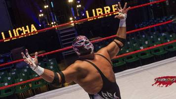 Wrestler Silver King dies during Camden Roundhouse bout